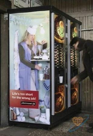 Vending machine for coffee